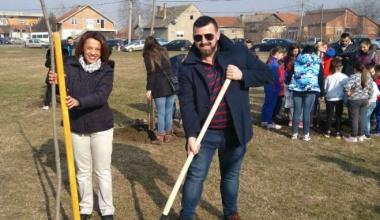 """U Pančevu nastavljena akcija """"Zasadi drvo"""""""