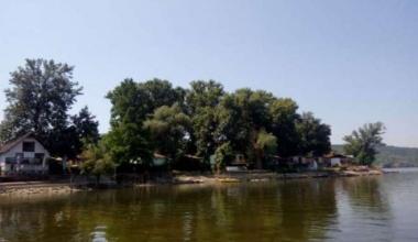 Bela stena na Dunavu i ovog leta spas je od vrućina
